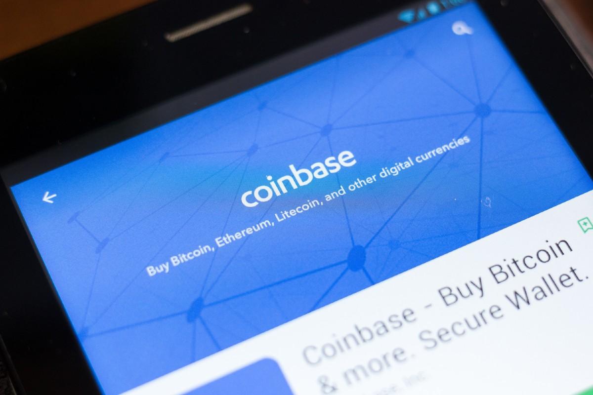 Coinbase a annoncé aujourd'hui qu'elle avait déposé une demande auprès de la National Futures Association Américaine pour devenir un négociant en commissions à terme enregistré. Cela indique que la bourse cherche à aller au-delà du simple commerce au comp
